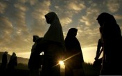The Limits of  a Woman's 'Awrah In Front of other Women